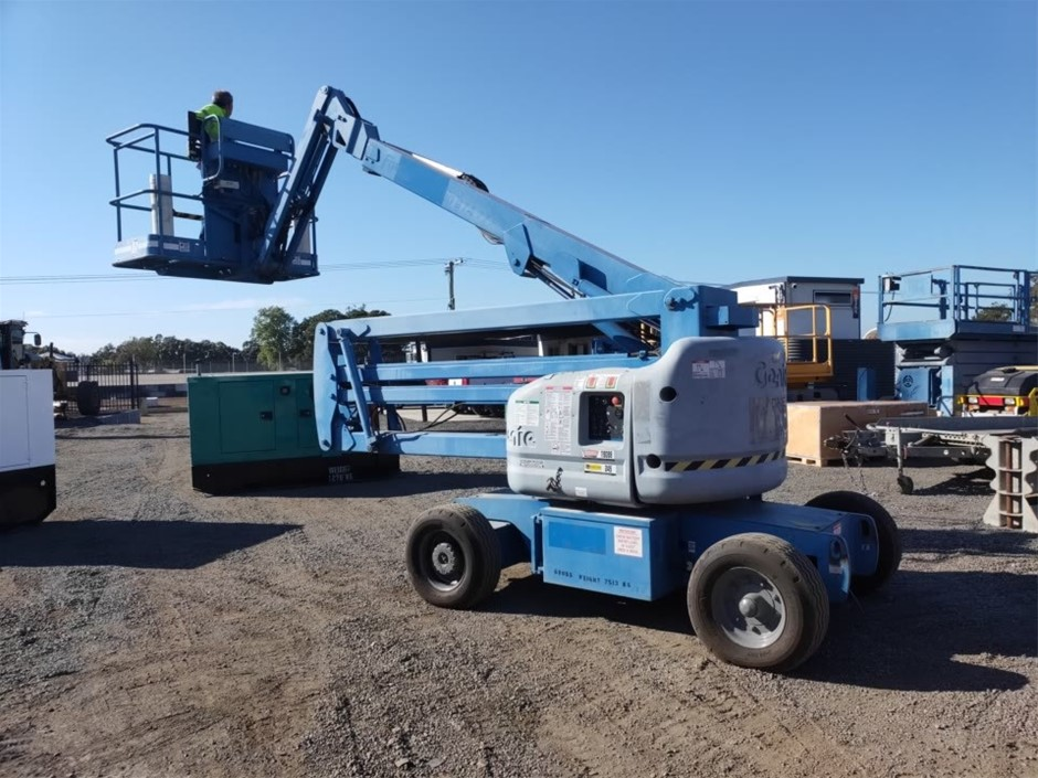 Genie 45ft Electric Knuckle Boom Lift