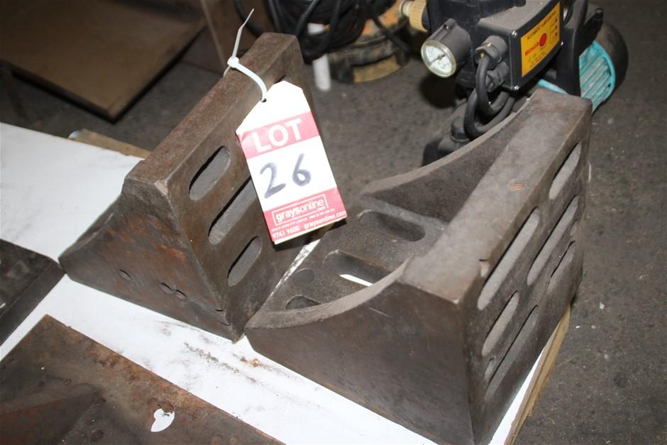 2 x Cast Iron Angle Plate