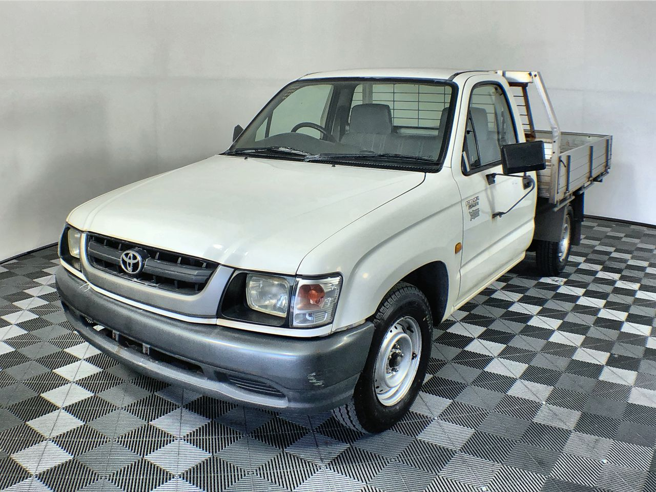 2004 Toyota Hilux 3 Seater Cab Chassis 61,597km
