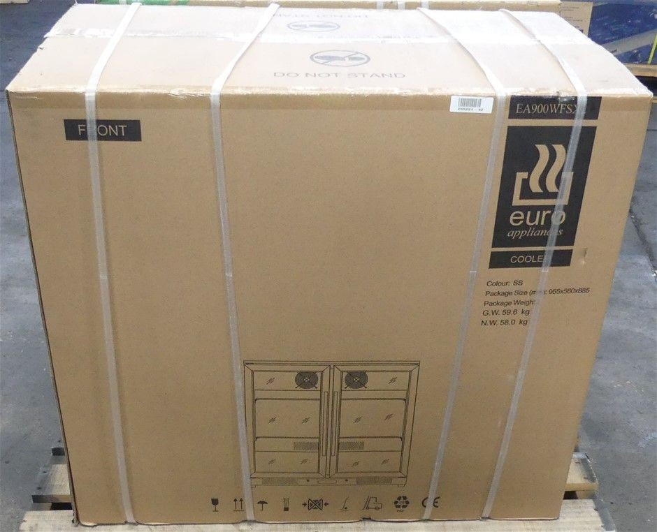 Euro Appliance EA900WFSX-2 208L Double Door Beverage Cooler