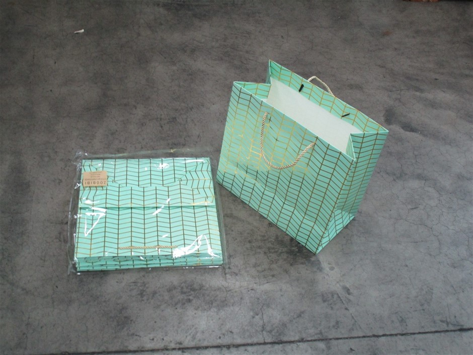 Pallet of Approximately 750 Gift Paper Bags