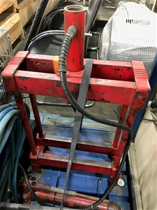 Red Workshop Press Location: 376 Newbrid