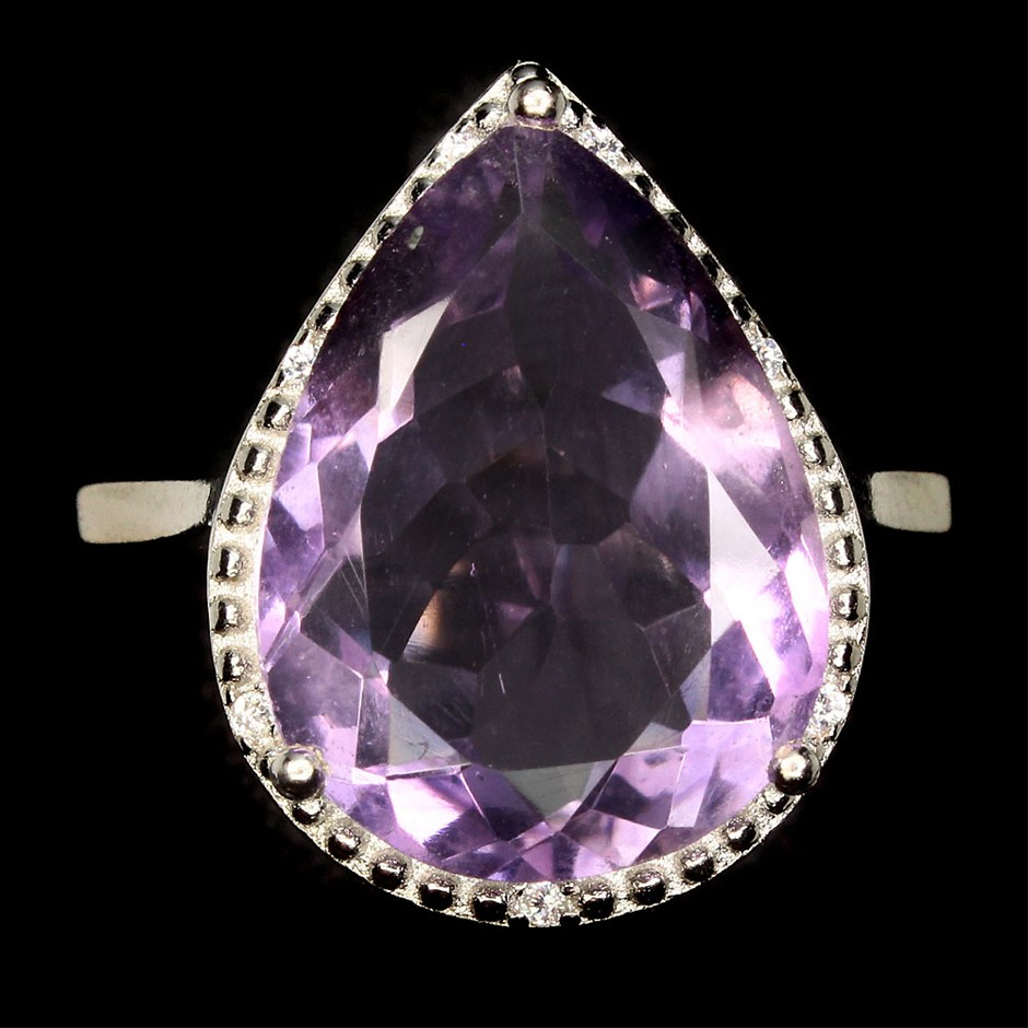 Spectacular Genuine Amethysts Statement Ring.