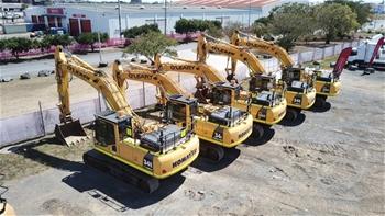 4 X 2017 Komatsu PC300LC-8M0 Hydraulic Excavators
