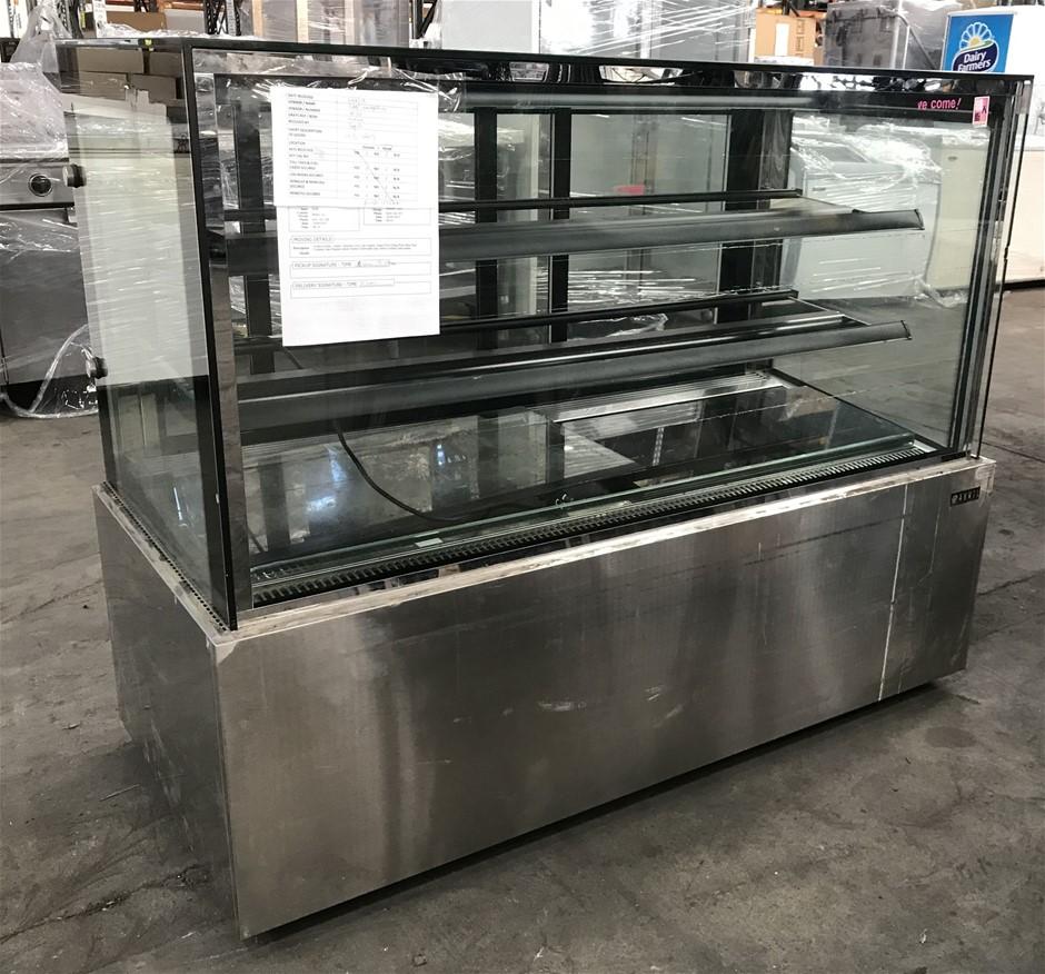 Anvil DSV0750 3 tier Square Cake Show case