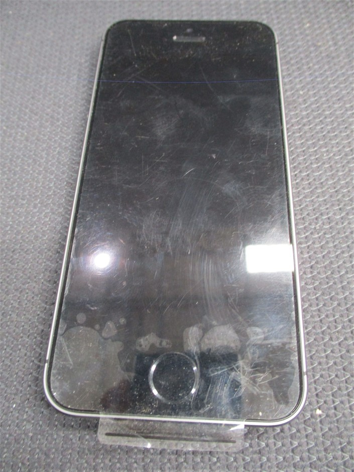 Apple iPhone 5S GSM+CDMA 16GB Space Gray Mobile Device