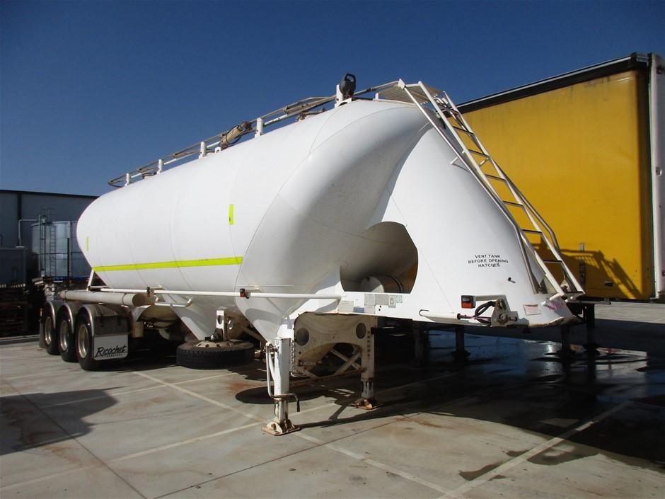2013 Jamieson Boomer Dry Powder Triaxle Tanker Trailer