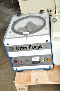 Centrifuge including 4 spinout buckets w