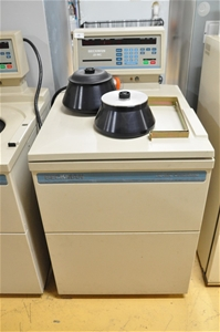 Centrifuge refrigerated floor standing 2