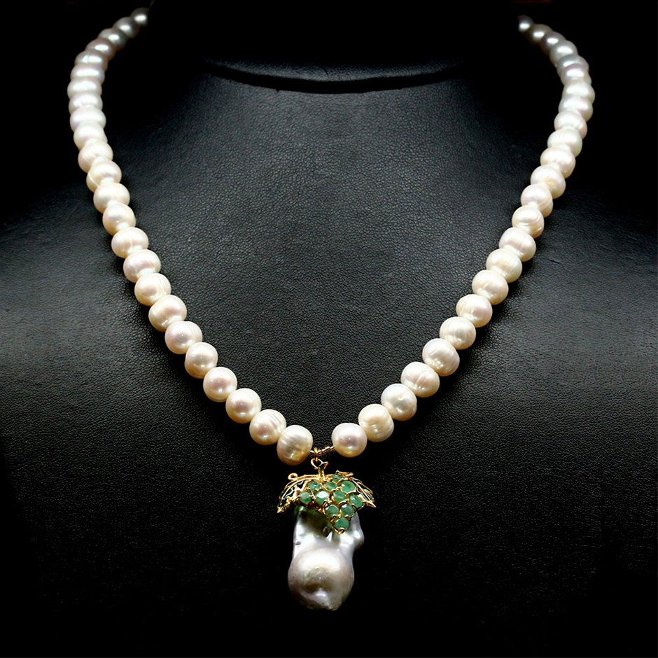 Spectacular Genuine Emerald & Pearl Necklace