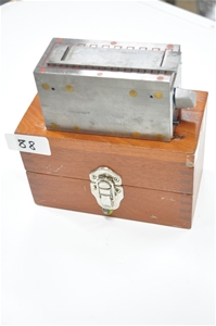 Magnetic block with fine magnet pole. Br