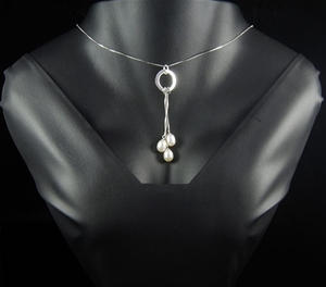 Sterling silver and white freshwater pea
