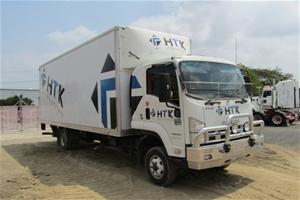 2011 Isuzu FRR 4 x 2 Pantech Truck