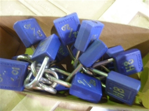 Qty 20x Master Safety Lockouts One Key F