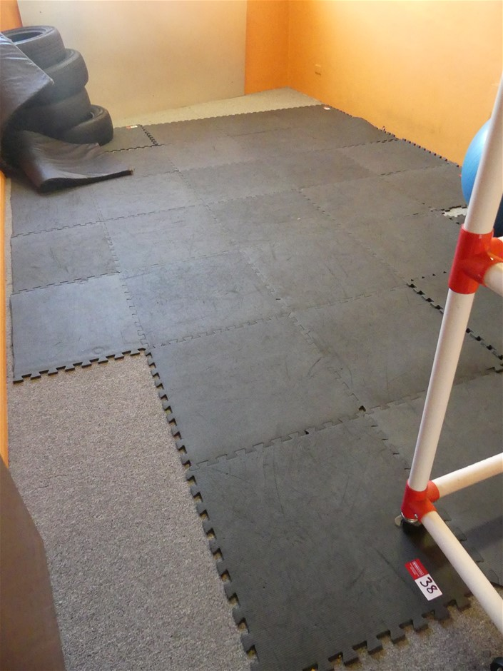 Cushioned Flooring Tiles for Exercise Room
