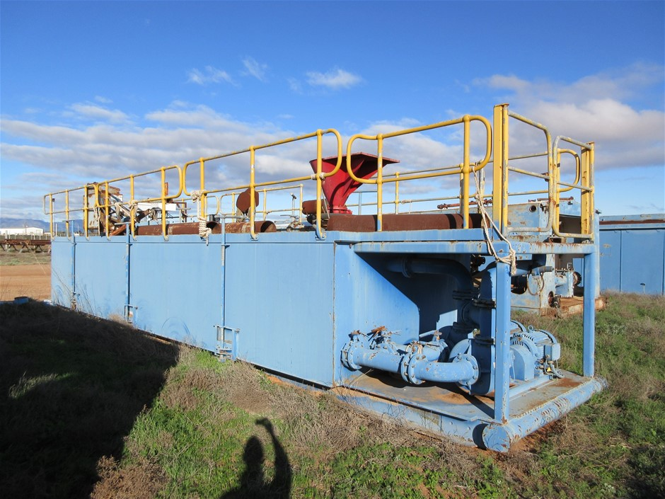 Converted Shipping 40 Ft Comprising Containerised Mud Pump