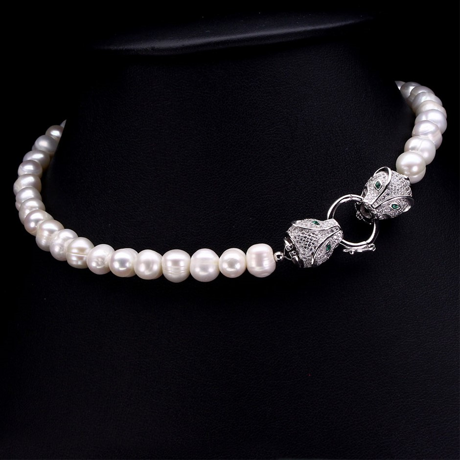 Beautiful Fresh Water Pearl Tiger Head Necklace