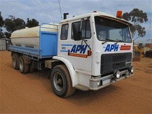 1994 International Acco 6 x 4 Water Truck
