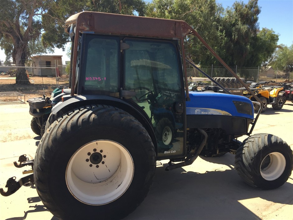 New Holland T4050F Tractor