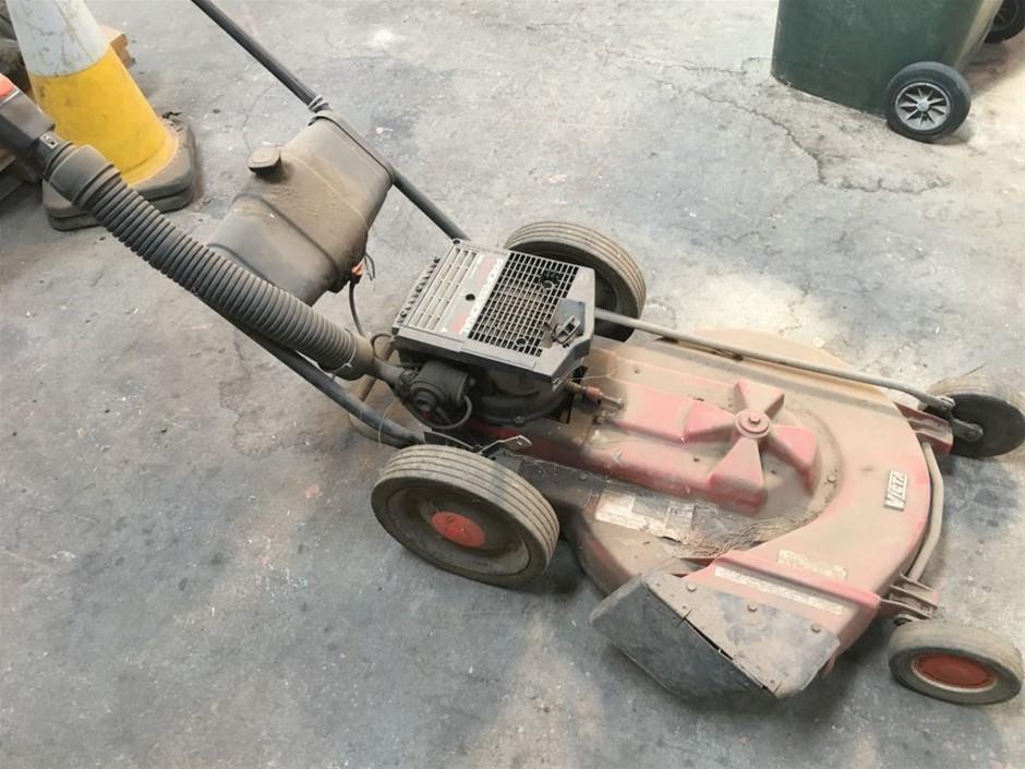 Lawn Mower, heavy duty Victa Professional 600