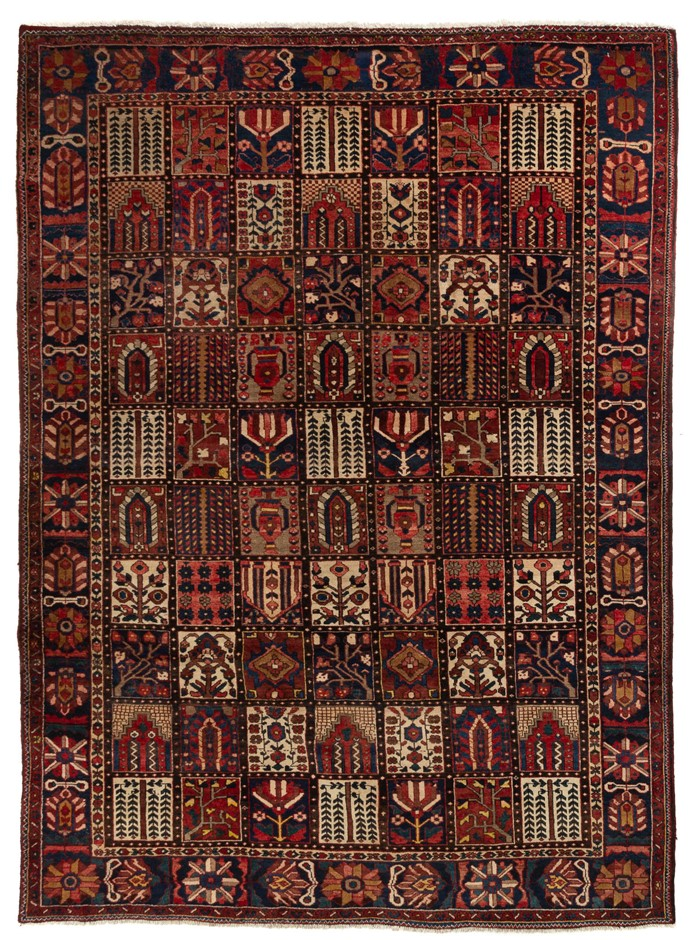 Persian Baktiari Hand Knotted 100% Wool pile Size (cm): 263 x 353