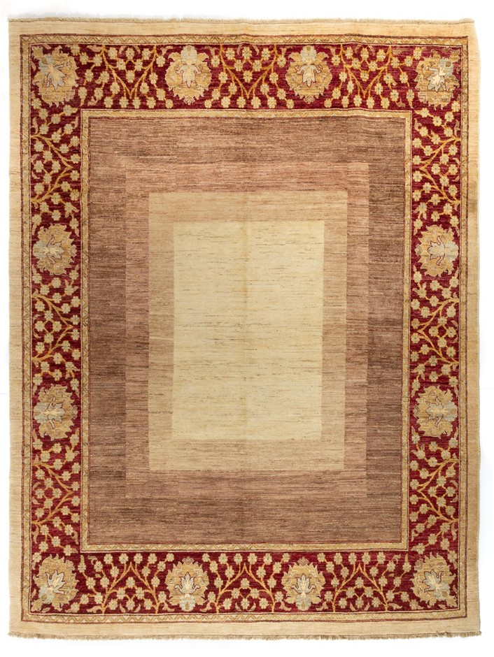 Afghan Hezari Hand Knotted 100% Wool pile Size (cm): 246 x 320