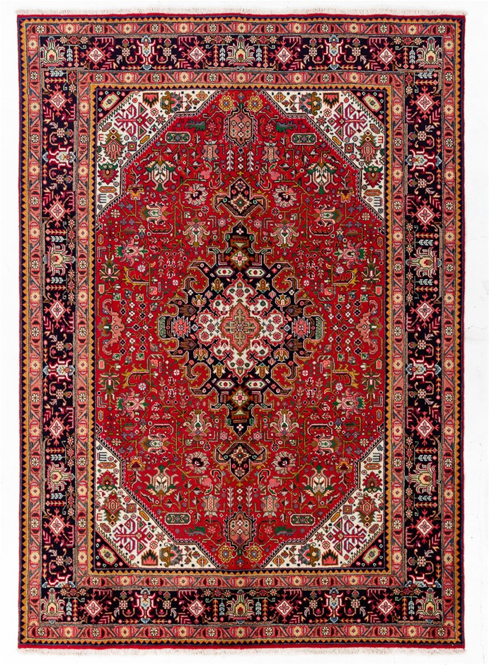 Persian Kashan Hand Knotted 100% Wool Pile Size (cm): 197 x 285