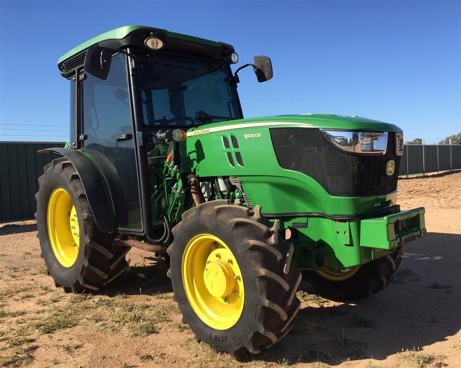 John Deere GF 5100 Tractor