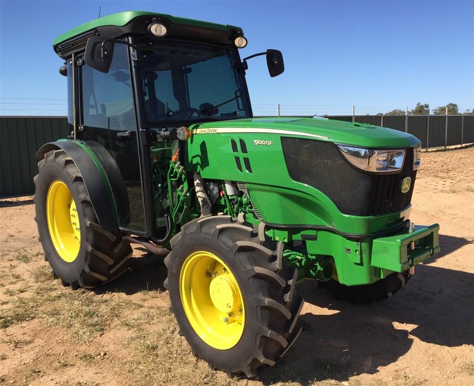 John Deere 5100 Tractor