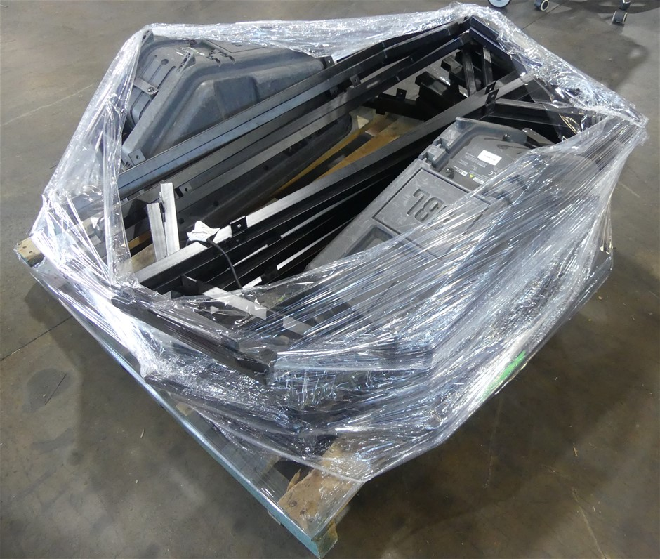 Pallet of 2 x JBL EON15 G2 Powered Speaker System, with Speaker Rack Stand