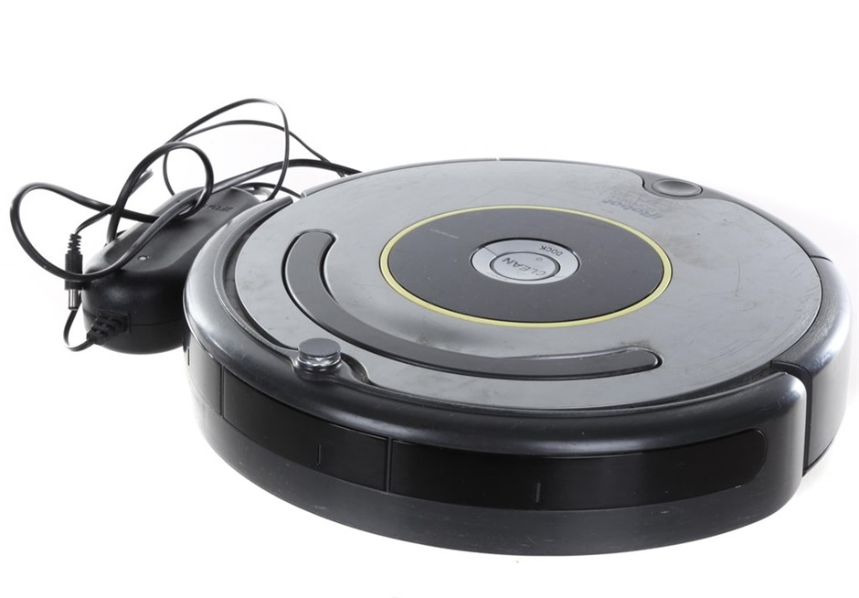 iRobot ROOMBA Robotic Vacuum Cleaner. N.B. Not in original packaging & well
