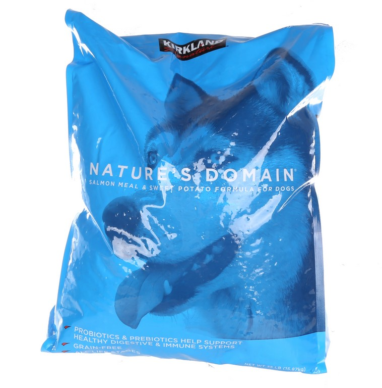 NATURE`S DOMAIN Salmon Meal & Sweet Potato Formula for Dogs. 16kg. (SN:CC43