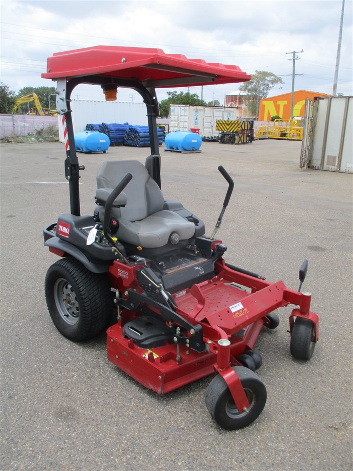 2014 Toro 6000 Series Out Front Mower