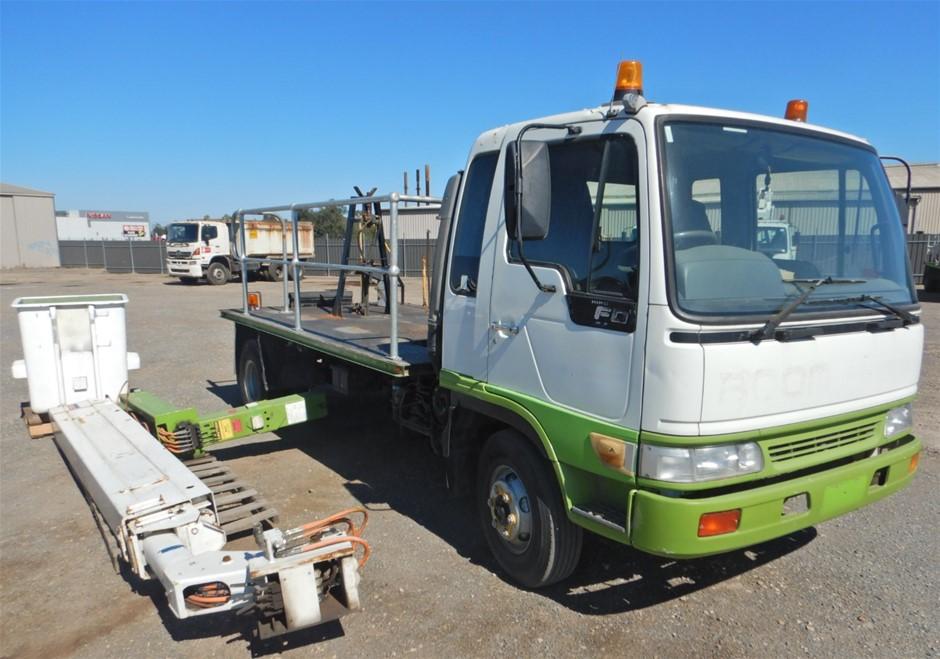 2000 Hino FD2J 4x2 Travel Tower Truck