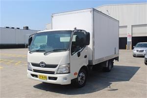 2013 Hino 616 Pantech Truck