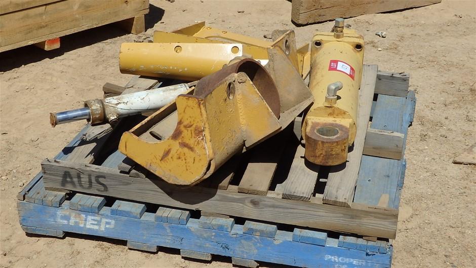 Assorted Hydraulic Cylinders