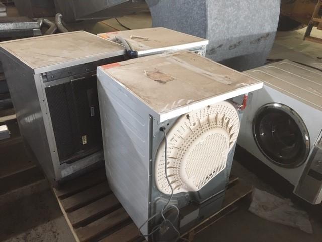 4 x Washing Machines & 1 x Dishwasher On Pallet