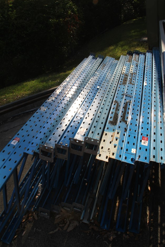 13 x Dexion Pallet Racking End Frames Approx: 2 x 3050mm x 840m