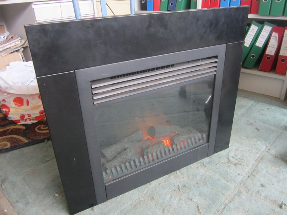"""Electric """"Flame"""" heater. 240V. Good working condition. Glo Heaters Australi"""