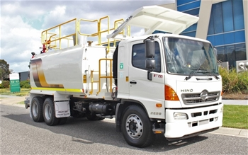 2013 Hino FM Water Truck Automatic 107,470km`s