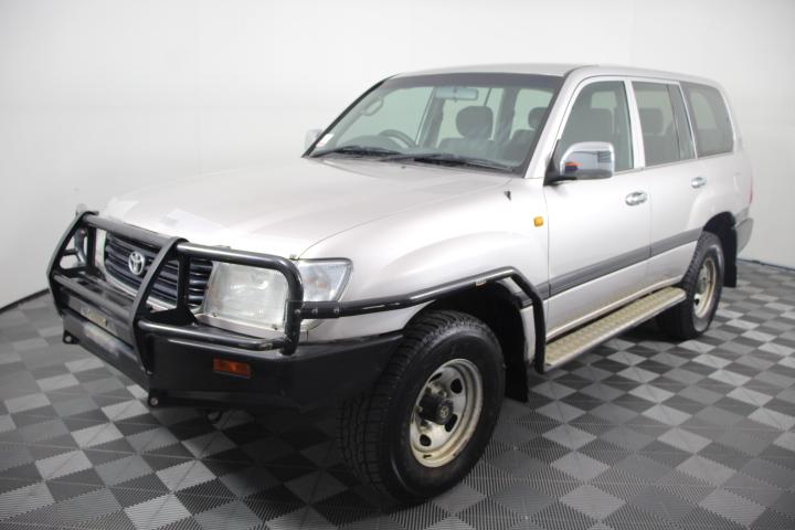 1999 Toyota Landcruiser 100's (4x4) Automatic 8 Seats