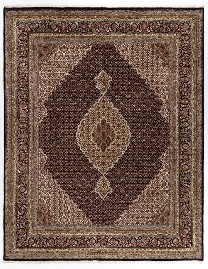 Indian FINE Mahi Design Hand Knotted Pure wool Pile Size (cm): 242 x 305