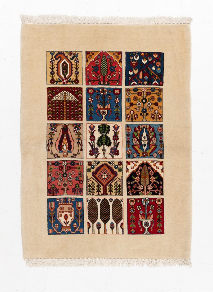 Persian Luri Boft Fine Quality Hand Knotted Pure Wool Size (cm): 109 x 148