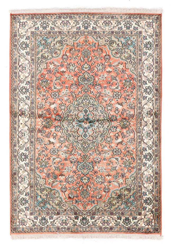 Kasmiri hand knotted PURE SILK PILE hand knotted rug Size (cm): 124 x 179