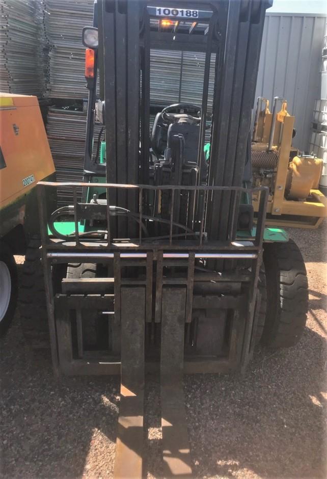 2005 CAT DP30N 3T 3.0m Diesel Forklift - Gladstone