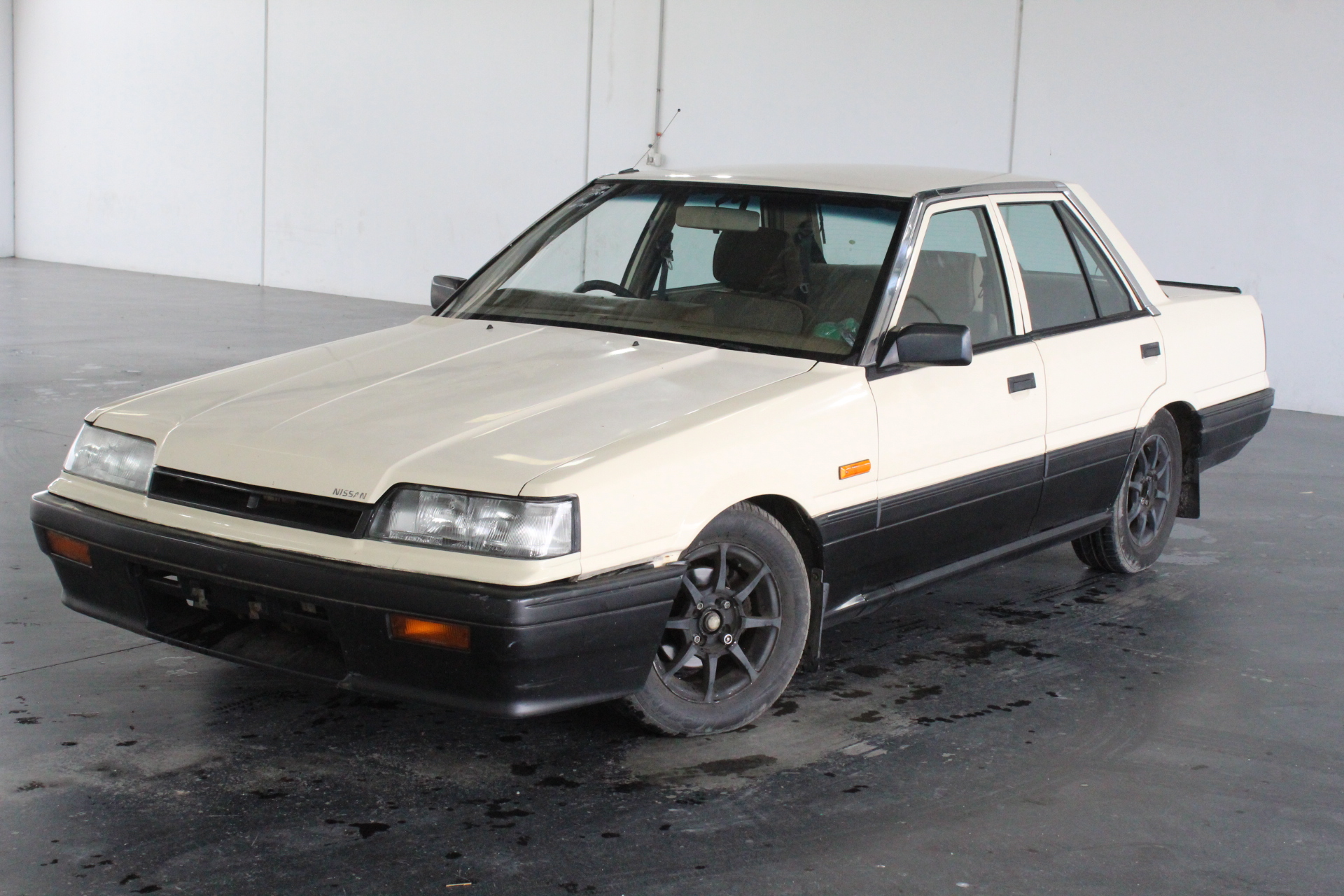 1989 Nissan Skyline Executive Automatic Sedan