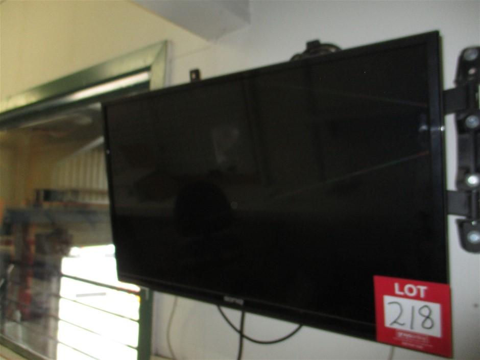2x Assorted Flat Screen TV's