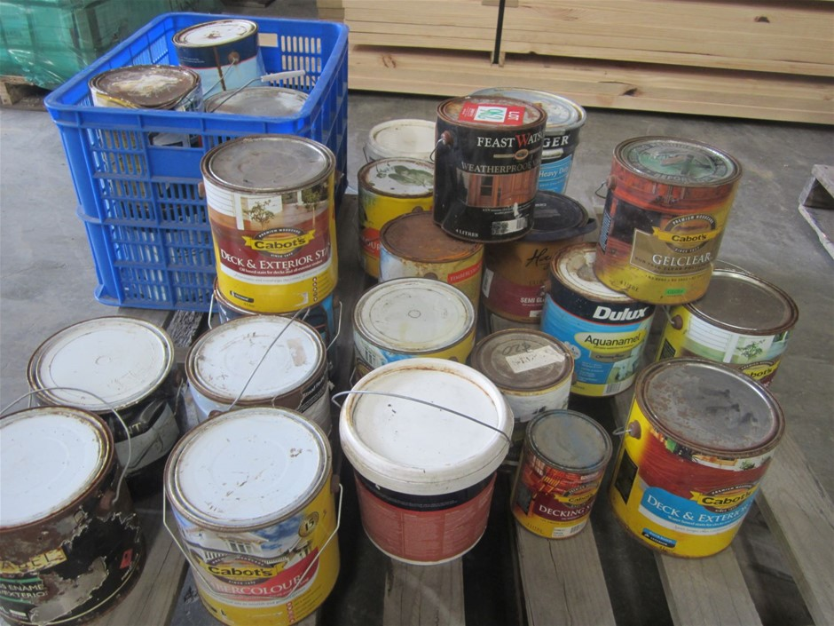 Pallet of assorted stains, paint etc etc