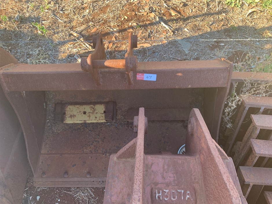 1200mm Excavator Batter Bucket