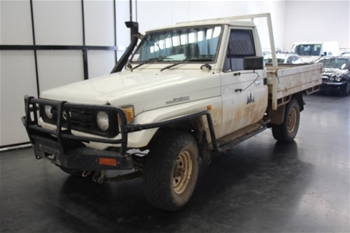 1998 Toyota Landcruiser (4x4) HZJ75 Manual Cab Chassis